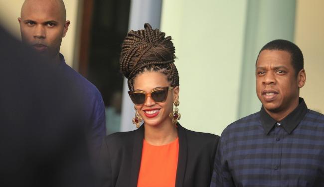 Jay Z in cuba banner.jpg