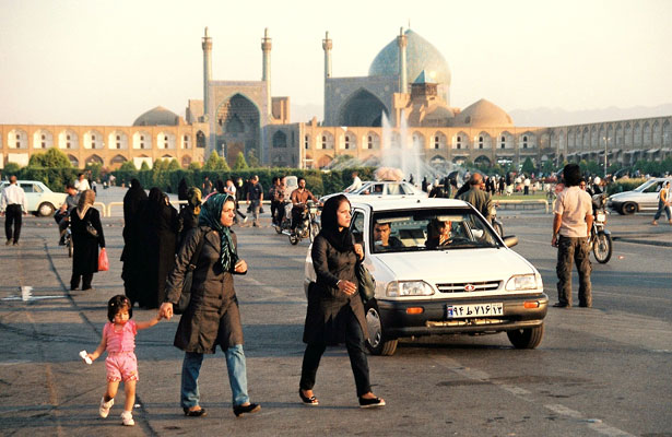 Square--Esfahan-9.jpg