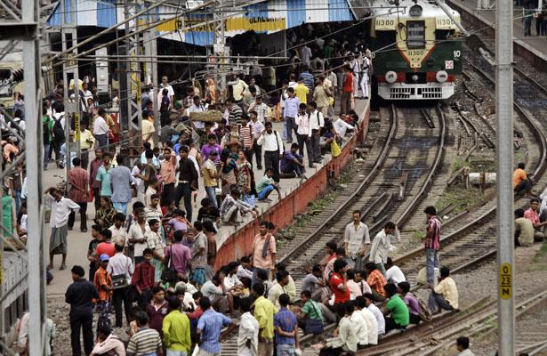 a india train.jpg