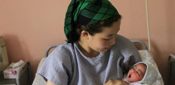 afghan-mother-baby-london-family-planning2.jpg