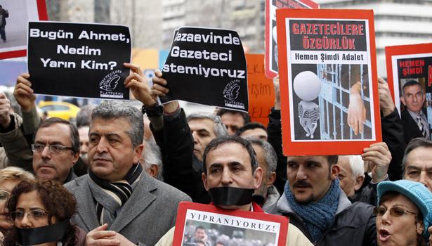 turkey journalists banner.jpg