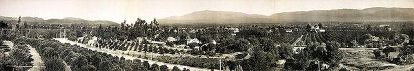 800px-Redlands,_California_1908.jpg