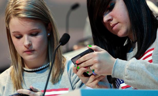 teens-phones.jpg
