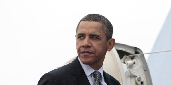 Obama getting on plane - Carolyn Kaster AP - banner.jpg