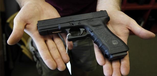 handgun.banner.reuters.jpg