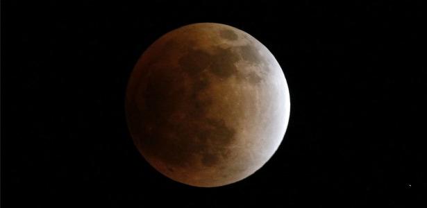 moon.banner.reuters.jpg