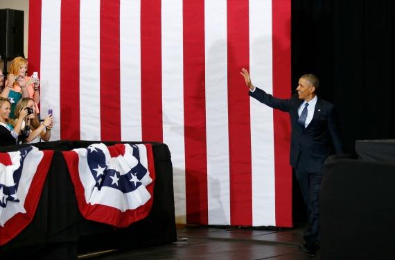 obama.galesburg.banner.reuters.jpg