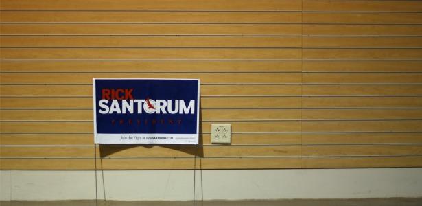 santorumsign.banner.reuters.jpg