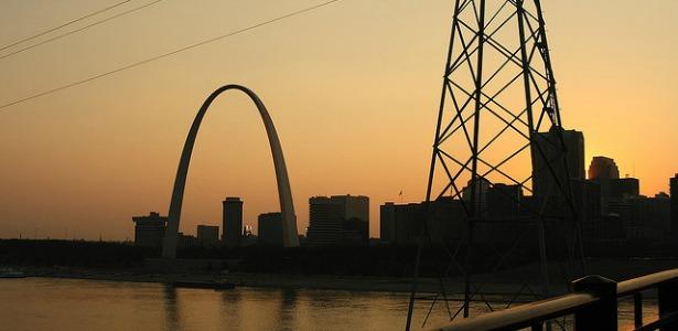 sunsetarch.banner.flickrMatthewBlack.jpg