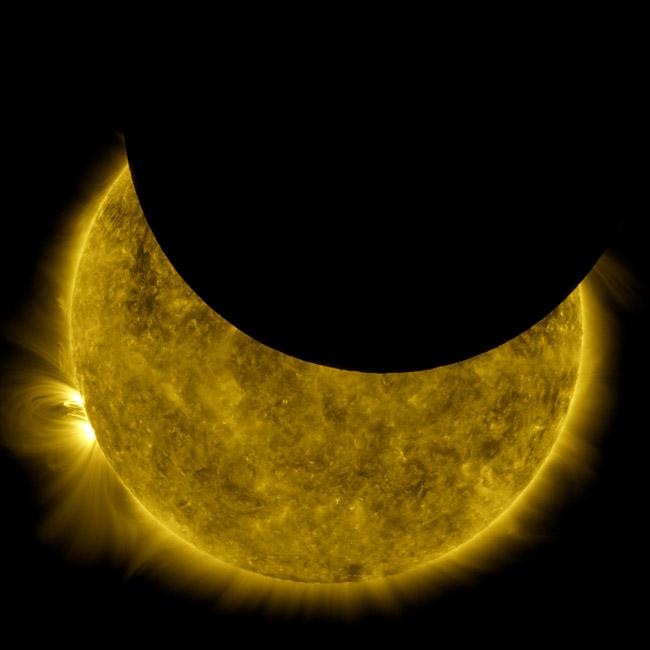 754921main_Sun-Moon-650.jpg