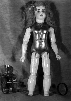 RobotDoll2-Post.jpg