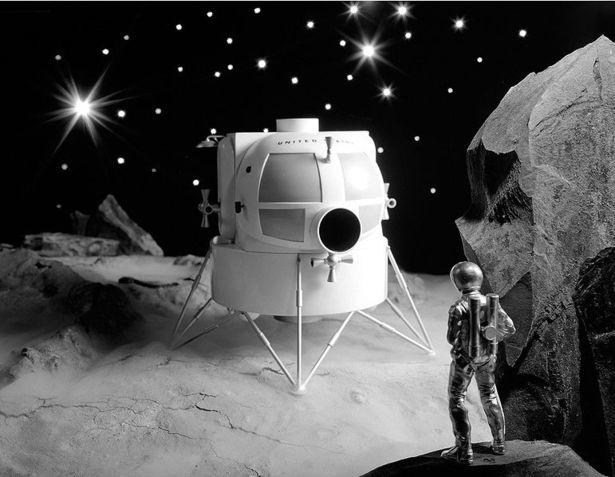771px-Lunar_Lander_Model.jpg