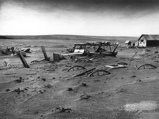 800px-Dust_Bowl_-_Dallas,_South_Dakota_1936.jpg