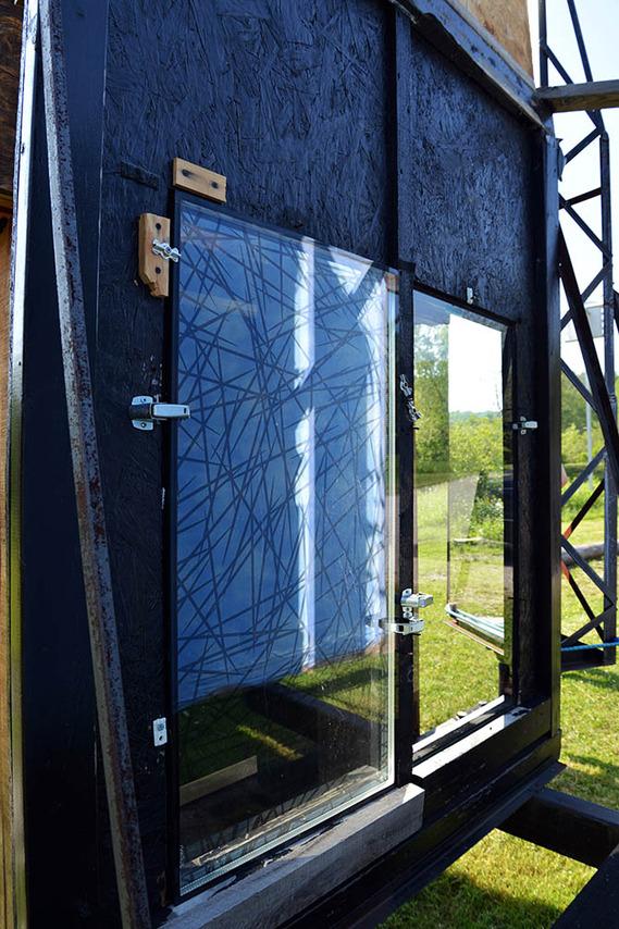 121 14 Bird tunnel glass V.jpg