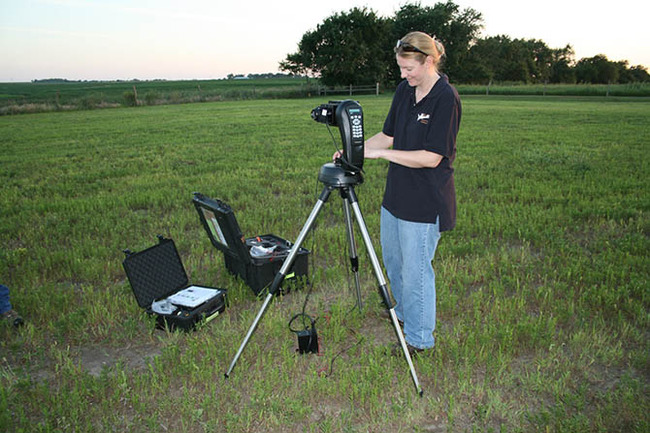 NPS measuring night sky 670.jpg