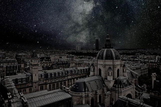 Stars over Paris 1 Thierry Cohen.jpg