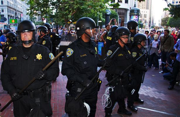 bart-riot-cops.jpg