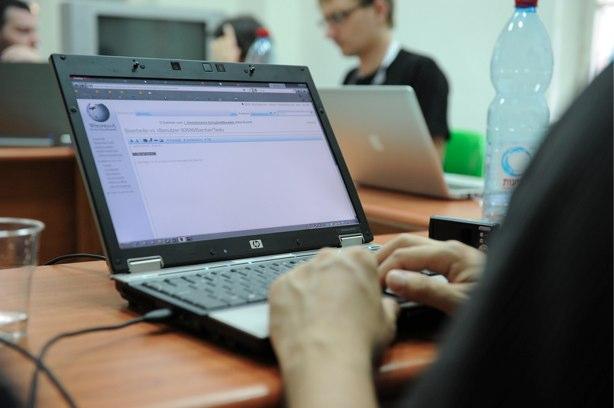 laptop615.jpg