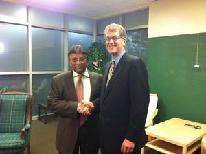Steve Clemons Pervez Musharraf Chestertown Maryland 24 October 2011.jpg