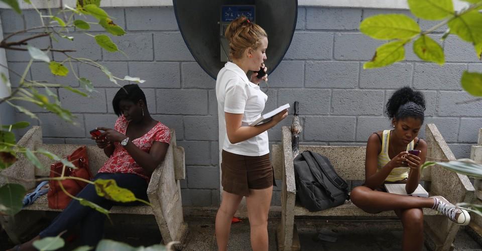 Free Wi-Fi in Havana Shows Cuba's Telecommunications ...