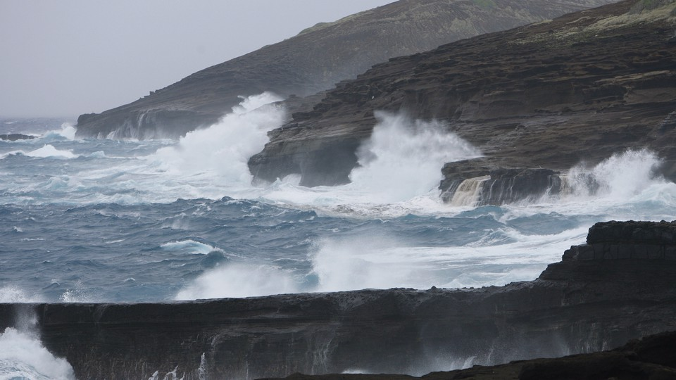 Large waves crash into the sea cliffs east side of Oahu as Tropical Storm Iselle passes through the Hawaiian islands, in Honolulu, Hawaii, August 8, 2014