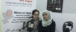 Kaoutar Belhirech (left) and Fatima Tourari (right) in the Mères en Ligne radio station.