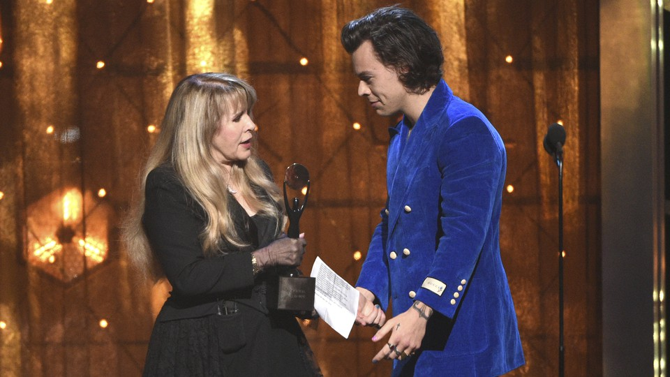 Stevie Nicks and Harry Styles at the Rock and Roll Hall of Fame induction ceremony in 2019.