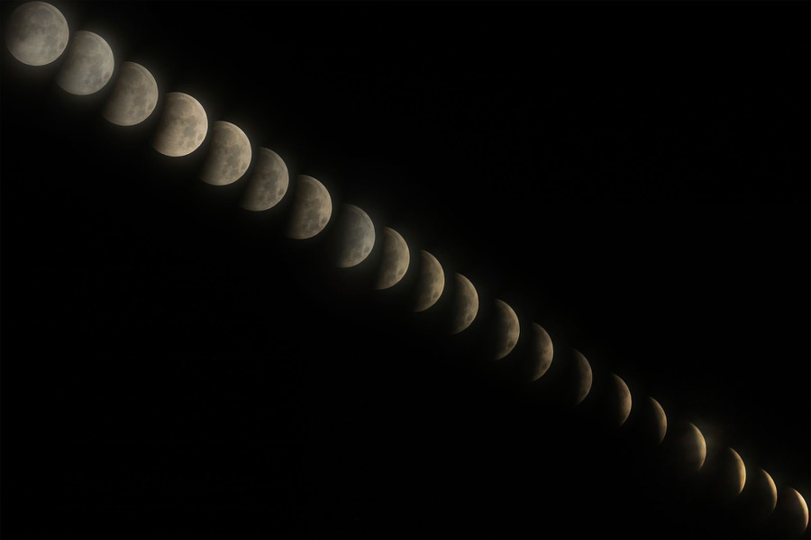 A composite image of the lunar eclipse, showing its many phases.