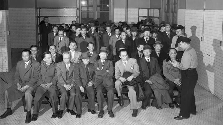 Chinese immigrants on Ellis Island