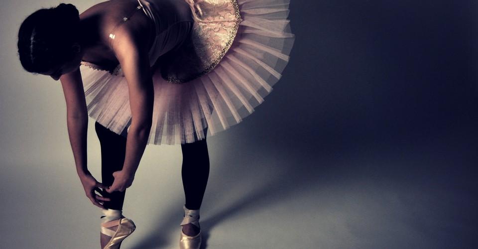 Mesmerizing Videos Of Ballerinas Preparing Their Pointe Shoes The Atlantic