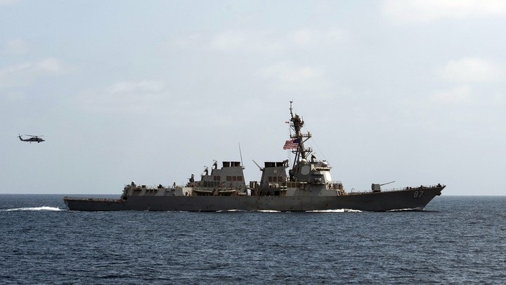 The USS Mason conducts maneuvers as part of a exercise in the Gulf of Oman on September 10, 2016.