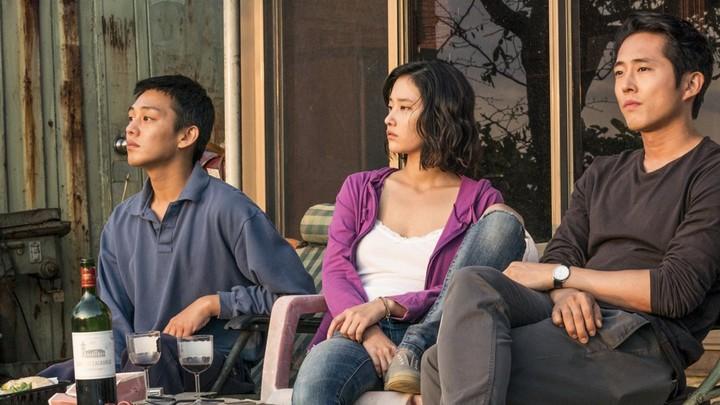 Ah-in Yoo, Jong-seo Jun, and Steven Yeun in 'Burning'