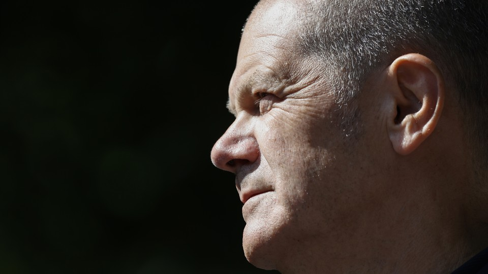 A photo of the Social Democrats' chancellor candidate, Olaf Scholz, in profile