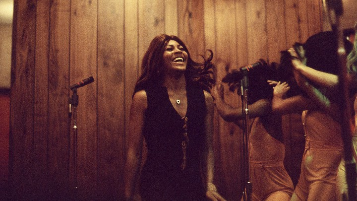 Tina Turner and Ikettes in a 1973 performance.