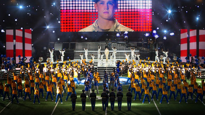 Review: The Unreality of 'Billy Lynn's Long Halftime Walk' - The ...