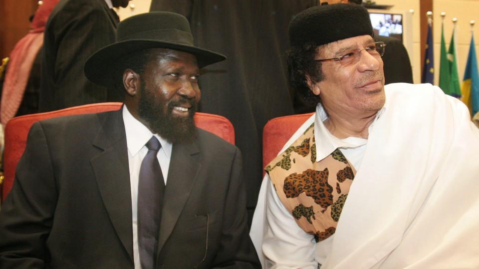 Salva Kiir chats with Libyan president Mohammed Gadaffi in 2006.