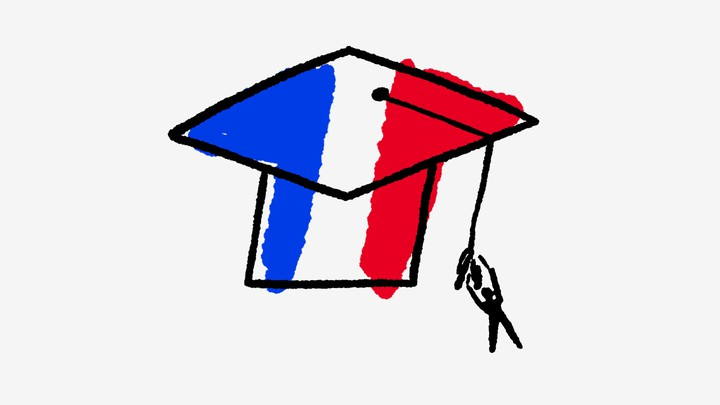 An illustration of a graduate cap colored with the French flag