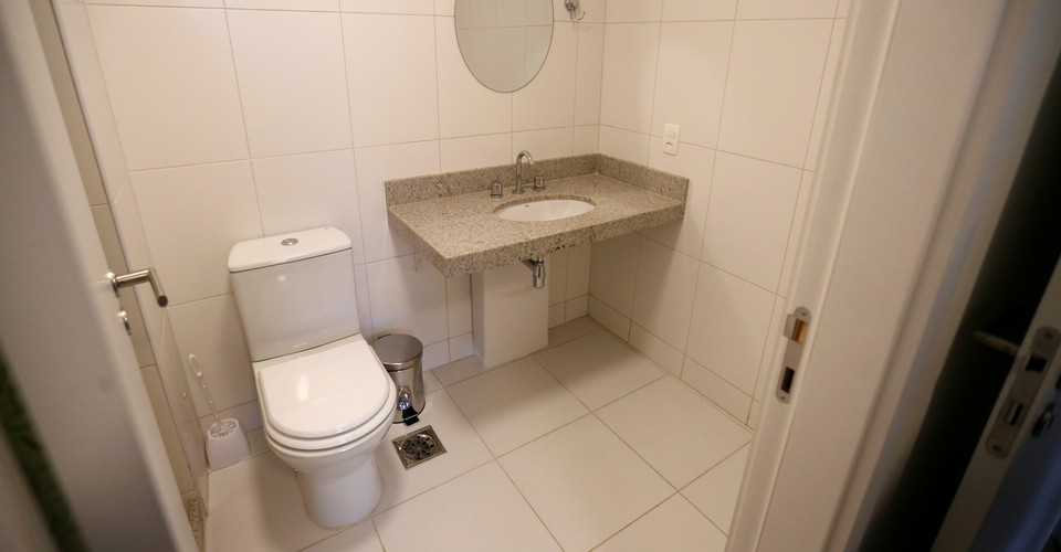 Amateur Young Bathroom Strip