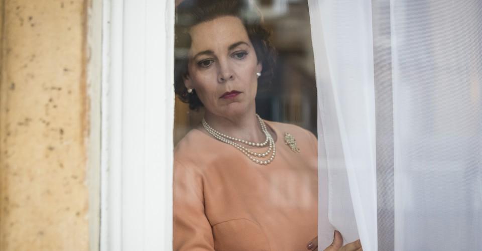 The Crown Season 3 Makes Elizabeth An Absent Queen The Atlantic