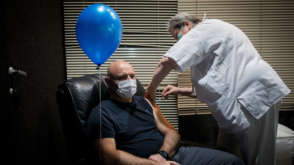 A man getting vaccinated