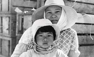 A Japanese mother and daughter, farmworkers in California, photographed in 1937 by Dorothea Lange