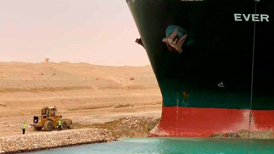 An enormous boat stuck in Egypt's Suez Canal