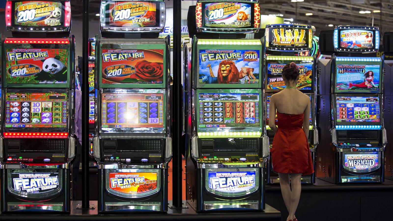Gambling Online, Gambling in Casinos: What's More Addictive? - The Atlantic