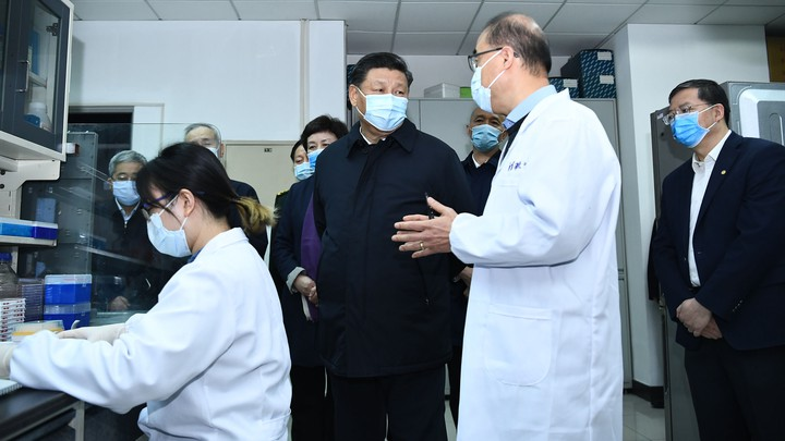 Xi Jinping at the School of Medicine at Tsinghua University in Beijing