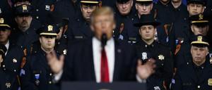Donald Trump addressing law enforcement officers