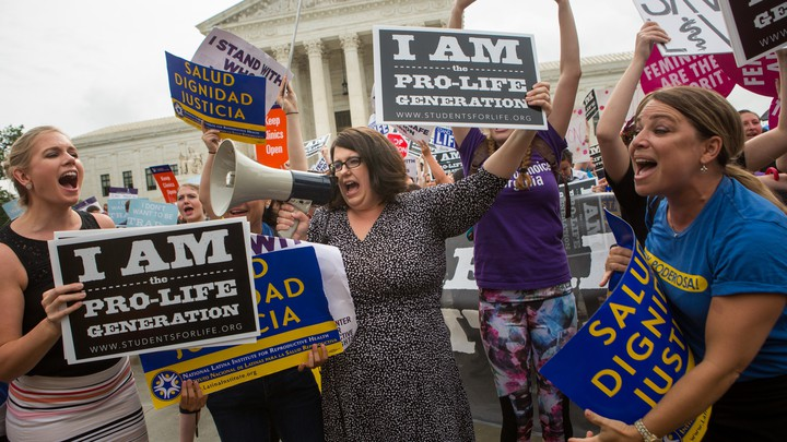 Pro-life protesters