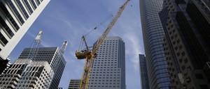 A crane in the San Francisco sky