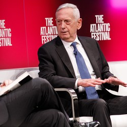 Jeffrey Goldberg (left) and Jim Mattis