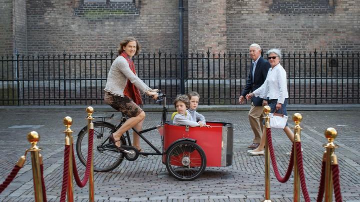 Cargo-Bike Moms' Are Gentrifying the Netherlands - The Atlantic