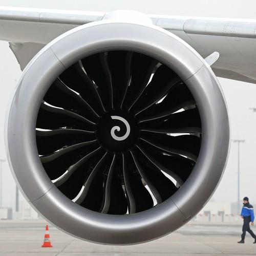 50 coolest paper airplanes - slubne-suknie.info | 500x500
